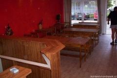 Jídelní stoly a židle